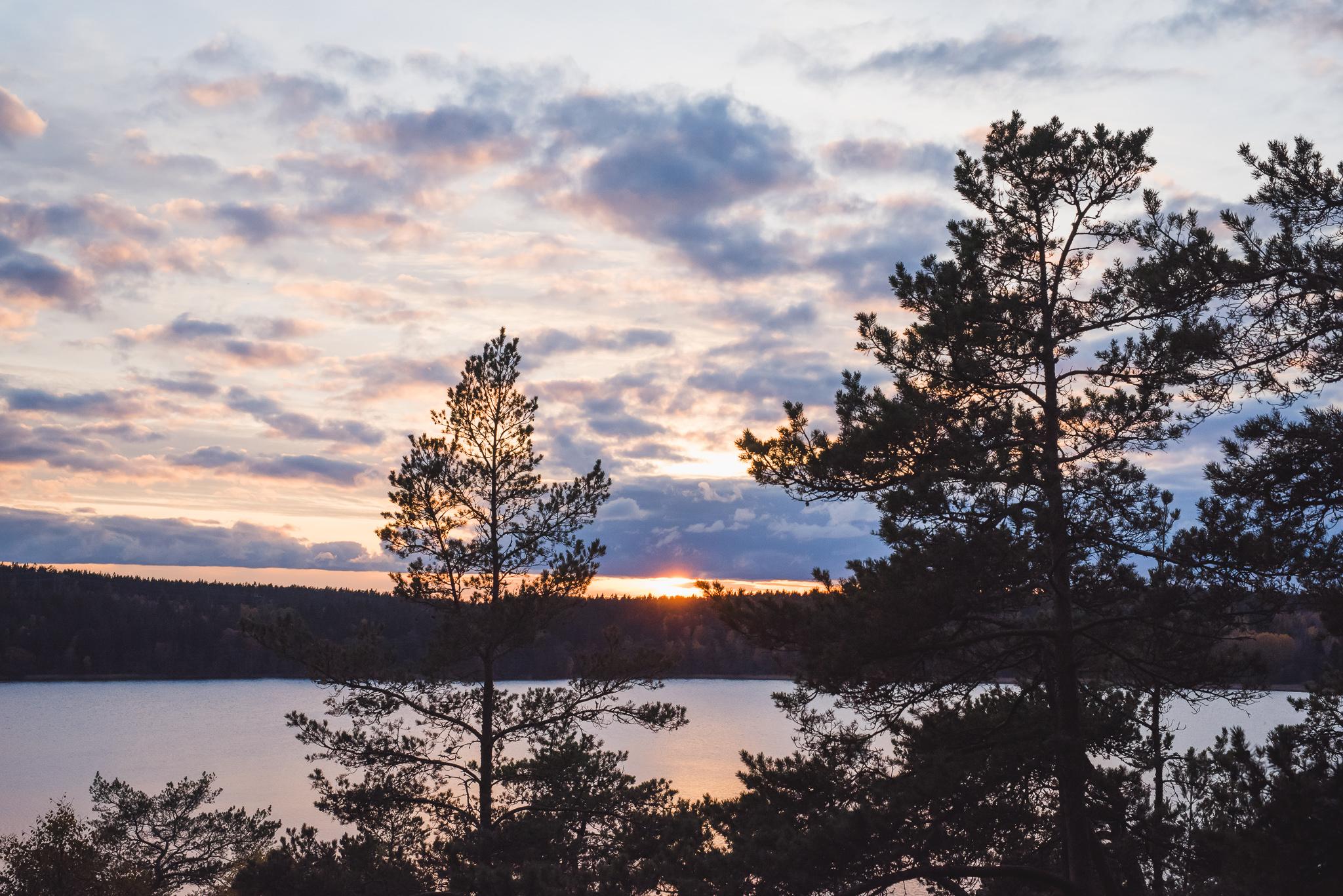 utsikt fran upplandsleden i solnedgång