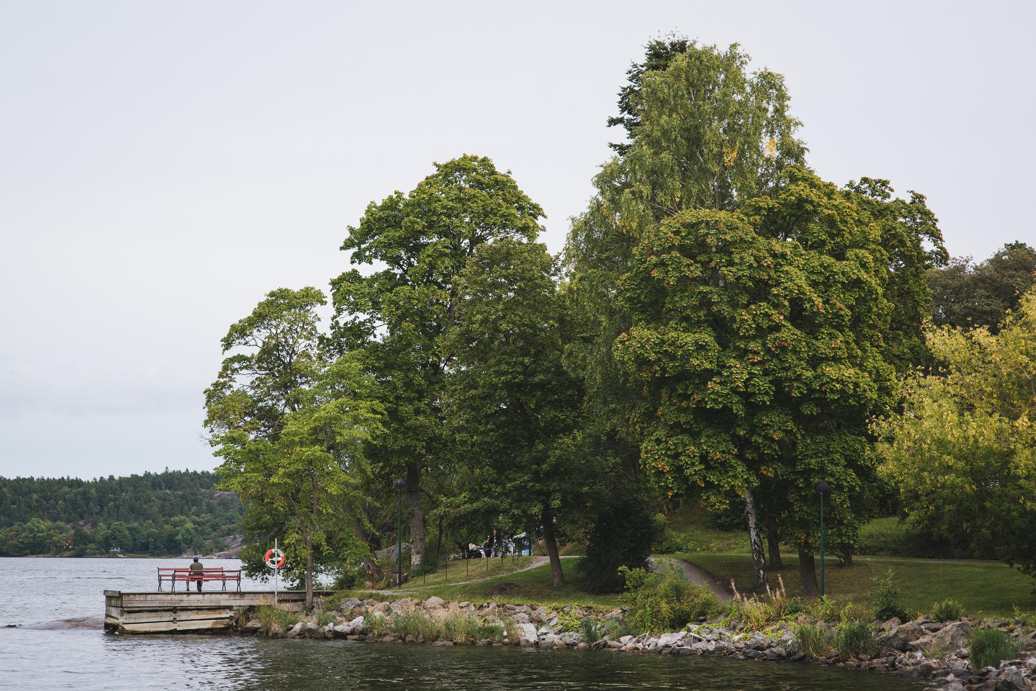 Stenbrygga pa Djurgarden i Stockholm